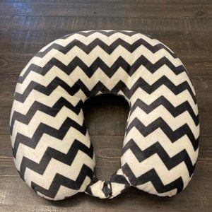 NWOT black & white chevron neck pillow